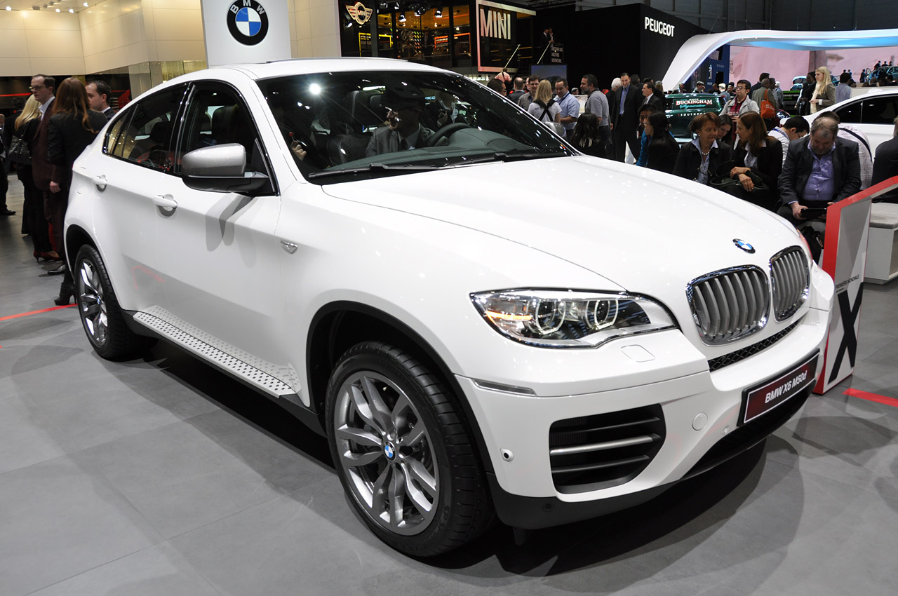 2012 BMW X6 M50d Marries Diesel Performance With
