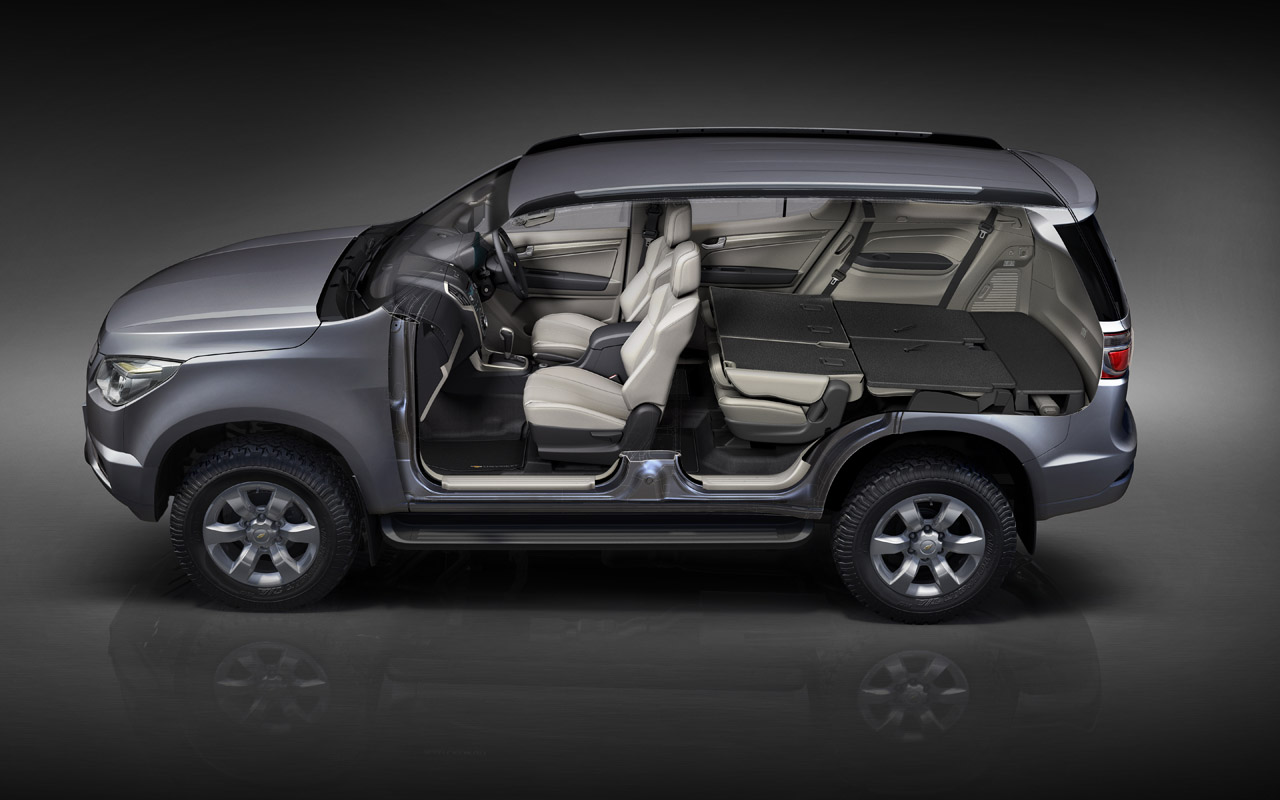 "Production 2013 Chevrolet TrailBlazer debuts, ""no plans ..."