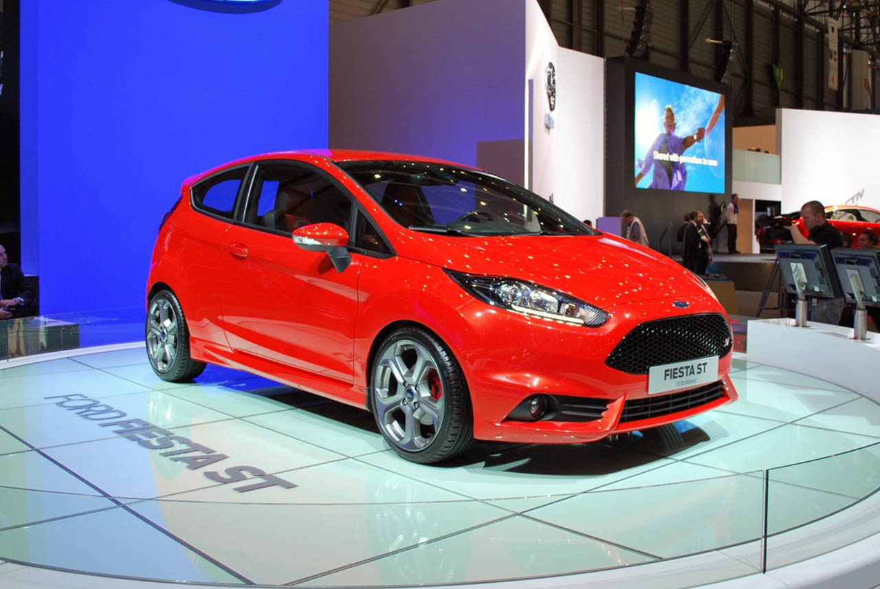 2013 ford fiesta st delivers a pint sized punch autoblog. Black Bedroom Furniture Sets. Home Design Ideas