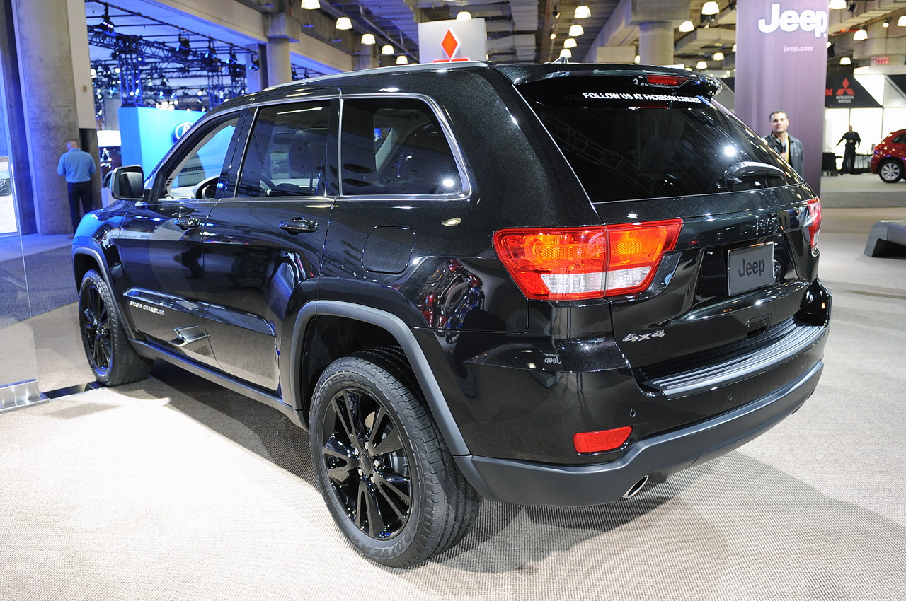 jeep climbs to higher altitude with murdered out specials autoblog. Black Bedroom Furniture Sets. Home Design Ideas