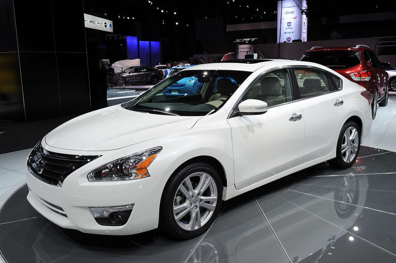 2013 Nissan Altima Is Ready For The Midsize Sedan Showdown