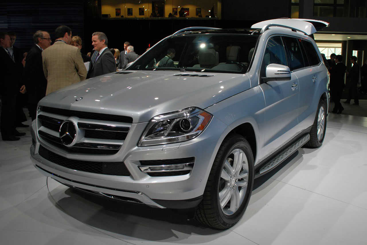 Certified Pre Owned Mercedes >> 2013 Mercedes-Benz GL-Class is the S-Class of SUVs - Autoblog
