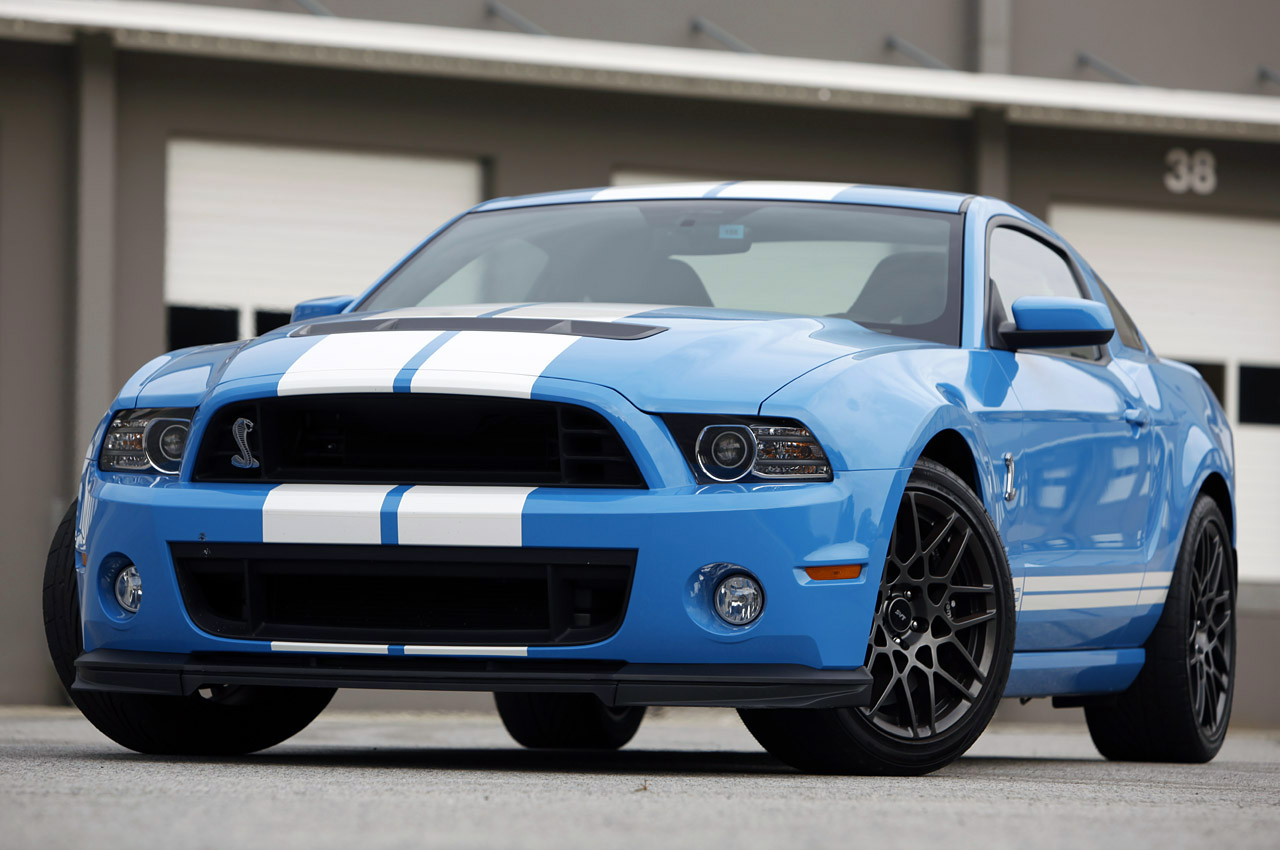 2013 ford shelby gt500 first drive w video autoblog. Black Bedroom Furniture Sets. Home Design Ideas