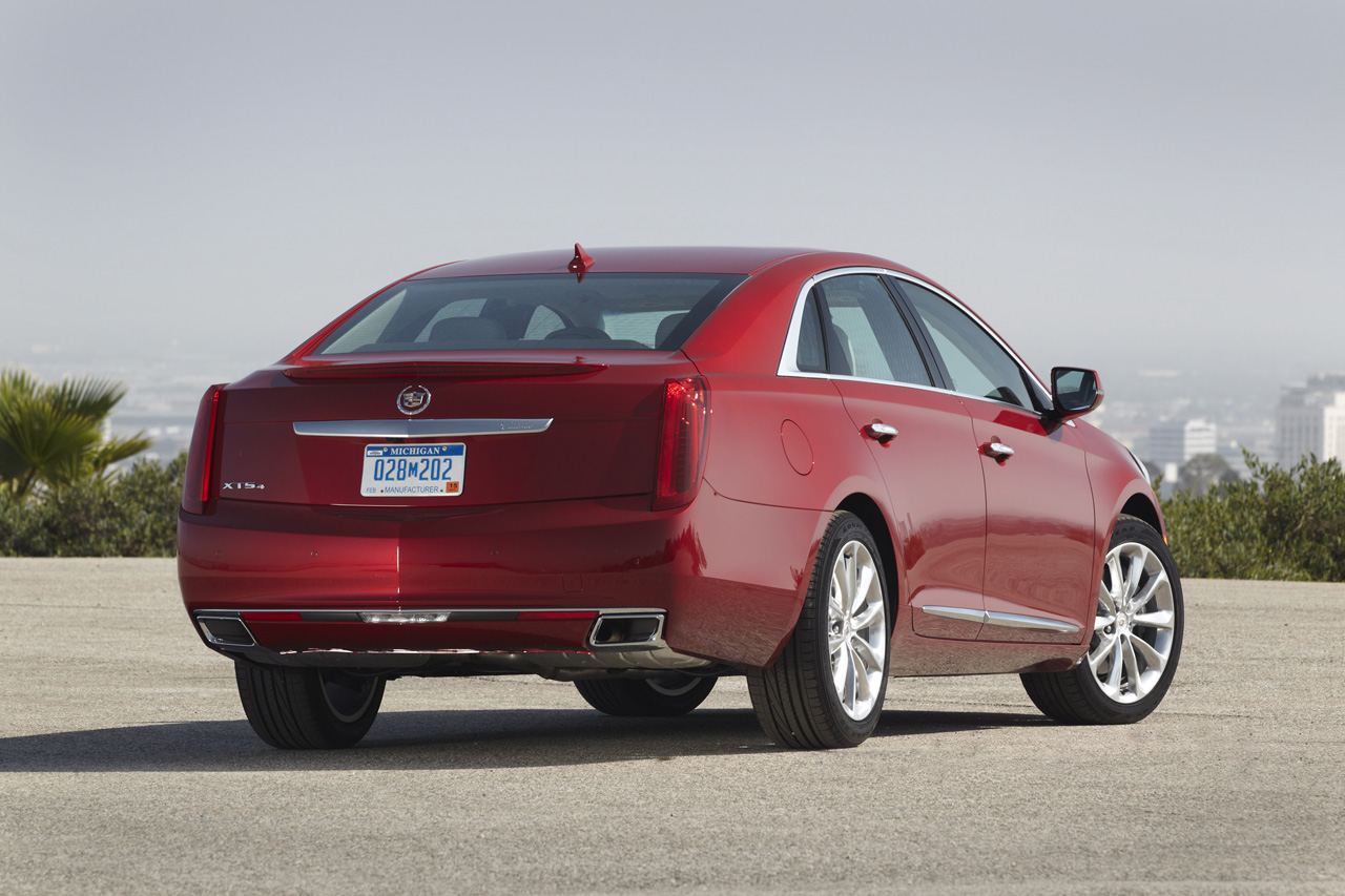 2013 cadillac xts priced from 44 995 autoblog. Black Bedroom Furniture Sets. Home Design Ideas