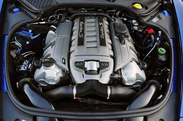 2017 Porsche Panamera Turbo S Engine