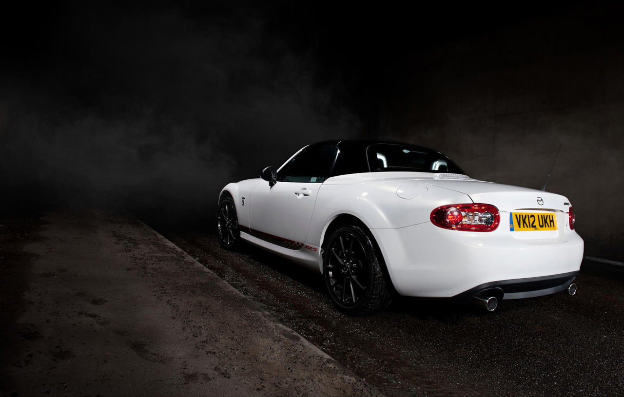 Uk Gets Mazda Mx 5 Miata Kuro Special Edition Autoblog