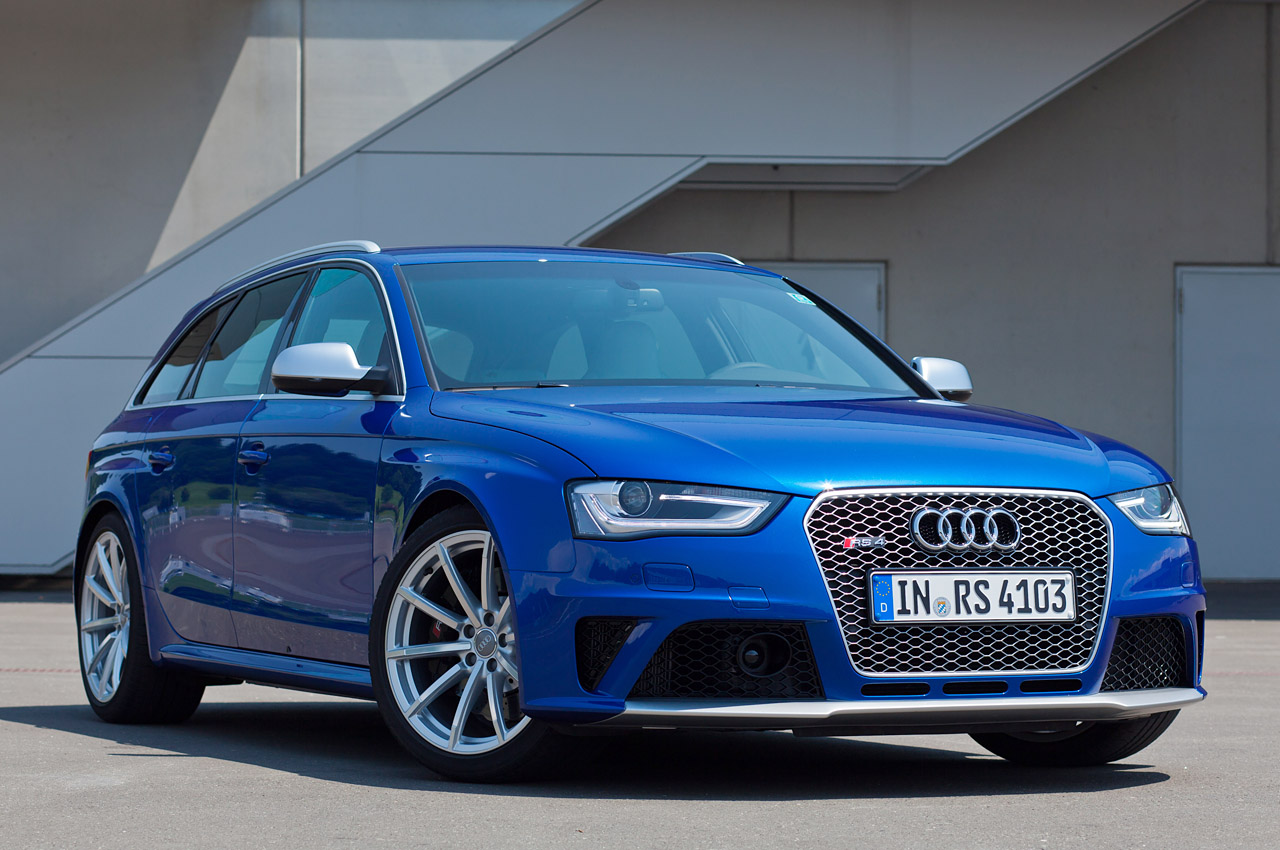 2012 audi rs4 avant w video autoblog. Black Bedroom Furniture Sets. Home Design Ideas