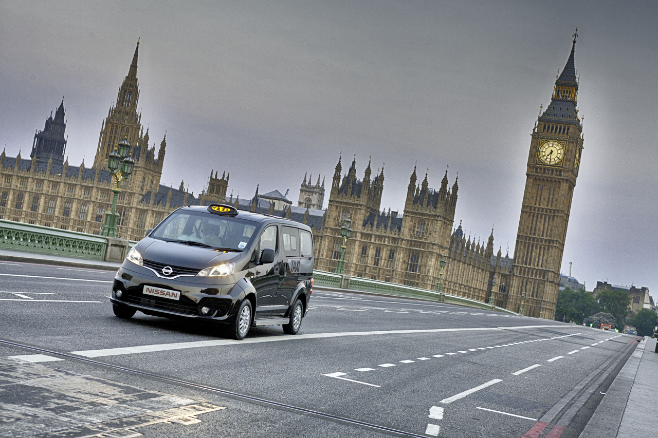 Nissan Certified Pre Owned >> Check out Nissan's NV200 in London black cab livery [w ...
