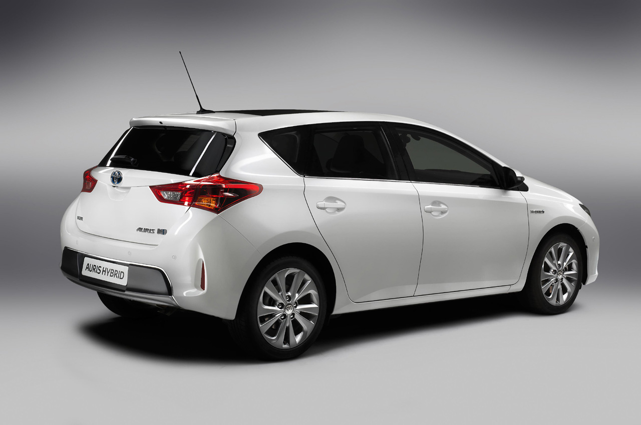 scion xb to be replaced by auris hatchbach iq dead after 2014 autoblog. Black Bedroom Furniture Sets. Home Design Ideas