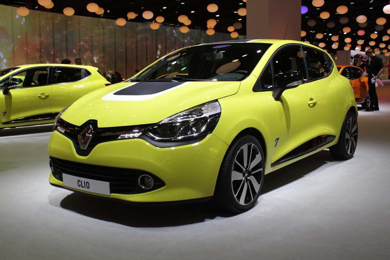 renault clio is the bold new face of france 39 s diamond brand autoblog. Black Bedroom Furniture Sets. Home Design Ideas