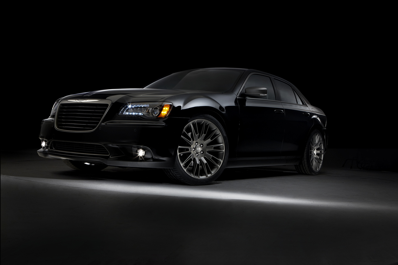Car Paint Shops Prices >> Chrysler 300C John Varvatos Limited Edition returns for 2014 with AWD option | Autoblog
