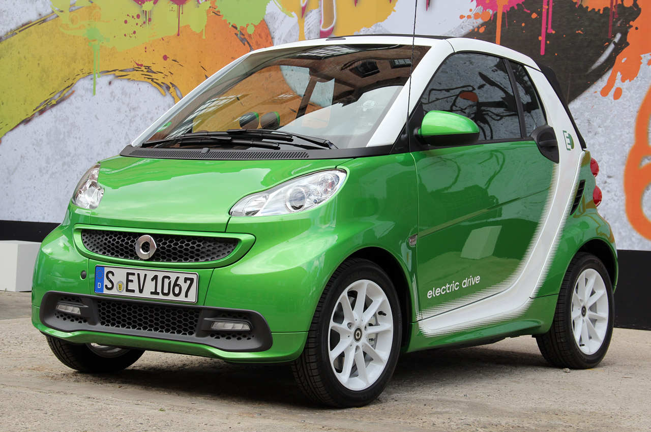 2013 smart fortwo electric drive first drive photo gallery autoblog. Black Bedroom Furniture Sets. Home Design Ideas