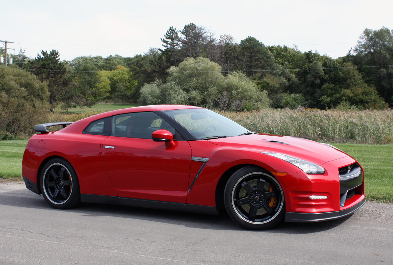 Black Book Car Values >> 2013 Nissan GT-R Black Edition - Autoblog