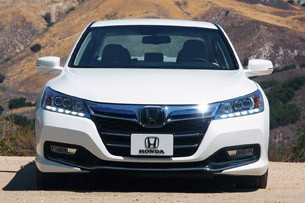 2017 Honda Accord Plug In Hybrid Front View