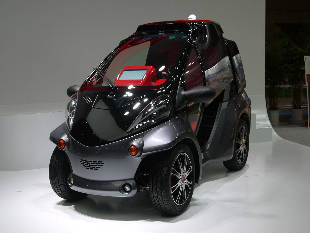 Nissan Certified Pre Owned >> Toyota Smart INSECT city car concept makes the connection - Autoblog