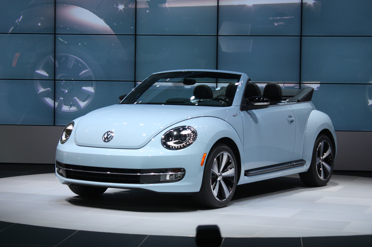 2013 vw beetle convertible debuts priced from 24 495. Black Bedroom Furniture Sets. Home Design Ideas