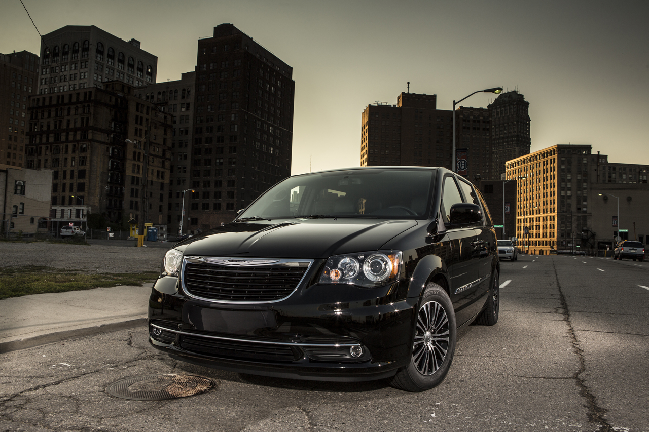 Black Book Car Values >> 2013 Chrysler Town and Country S is the van in black ...