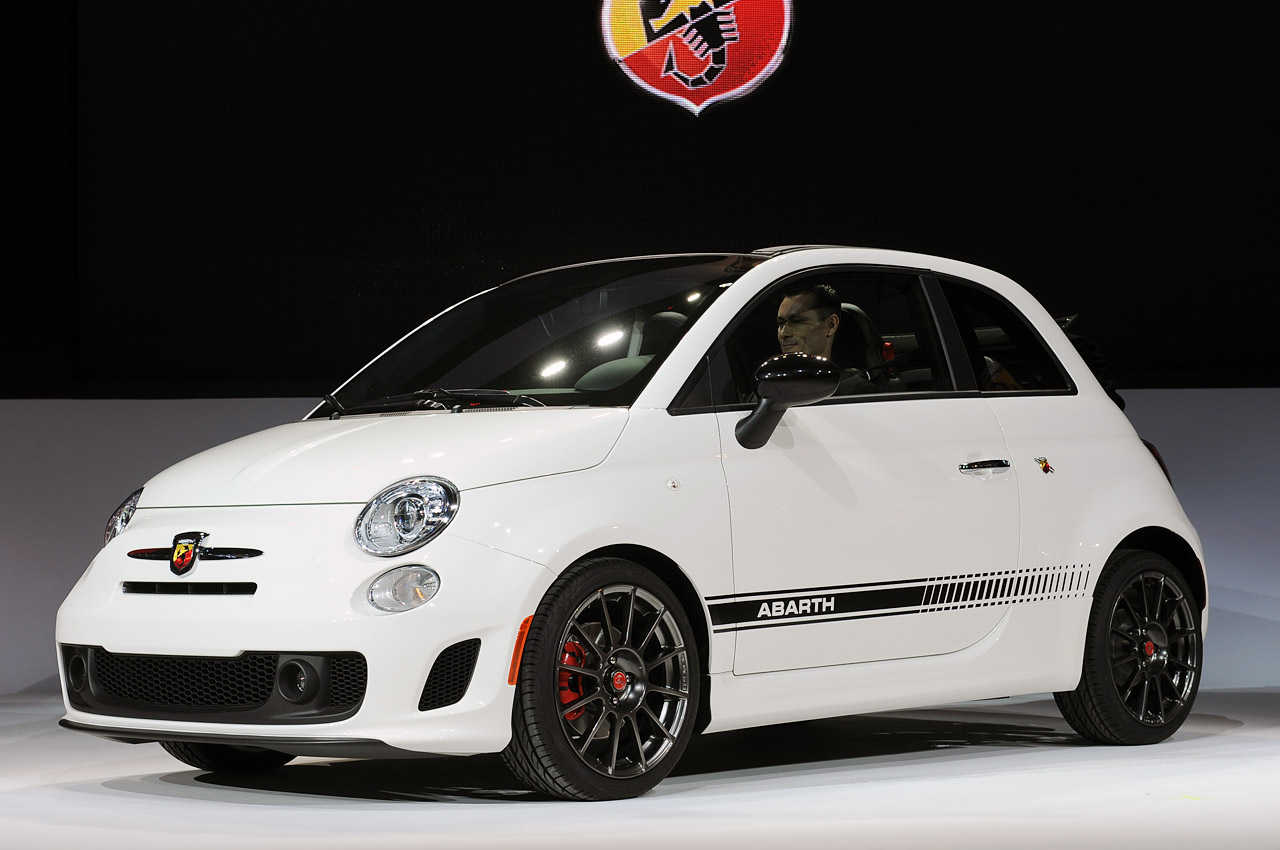 2013 fiat 500c abarth takes its top off with a quickness. Black Bedroom Furniture Sets. Home Design Ideas