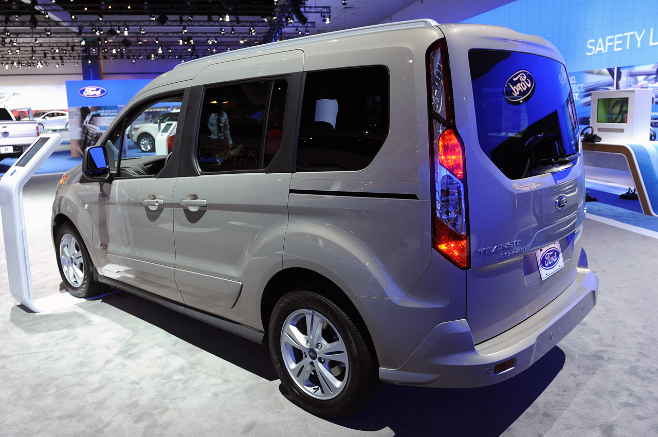 2014 ford transit connect wagon is as homely as it is hugely practical autoblog. Black Bedroom Furniture Sets. Home Design Ideas