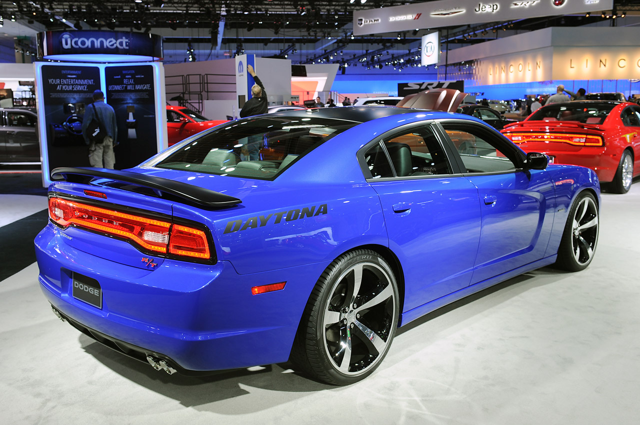 La Gas Prices >> 2013 Dodge Charger pays homage to its past with limited ...
