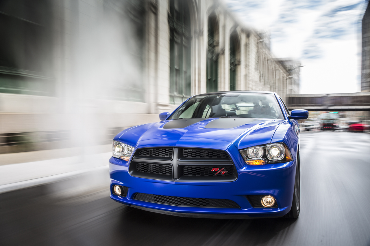 2013 dodge charger daytona marks the return of the blue blood autoblog. Black Bedroom Furniture Sets. Home Design Ideas