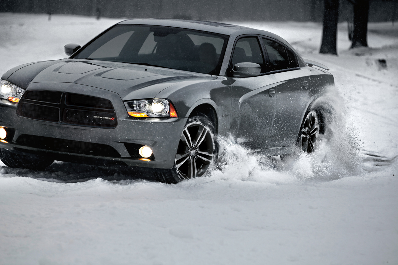 cars in snow photo gallery autoblog. Black Bedroom Furniture Sets. Home Design Ideas