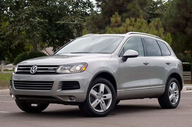 2017 Volkswagen Touareg Hybrid Polished Utility Impresses Just Not At The Pump