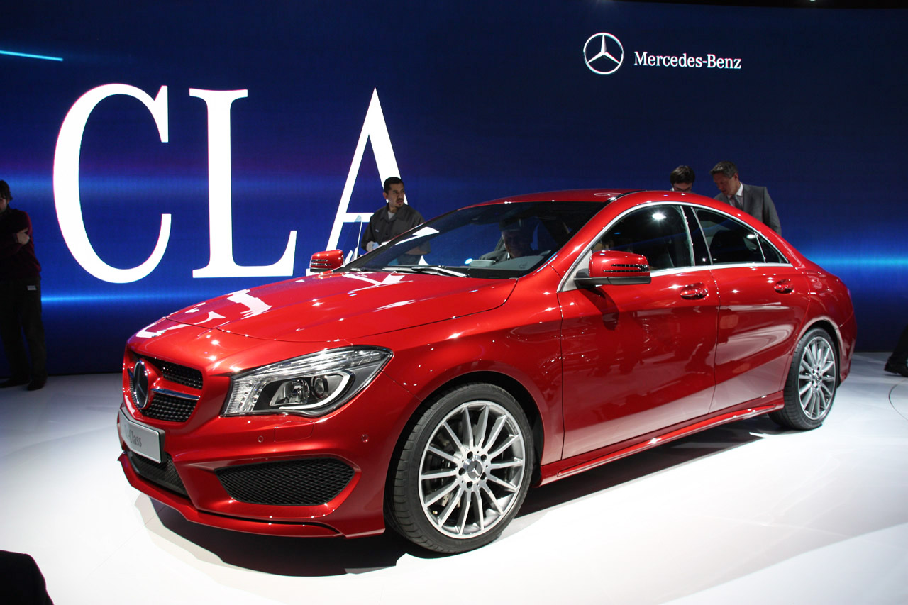 2014 mercedes benz cla class is dressed to impress autoblog. Black Bedroom Furniture Sets. Home Design Ideas