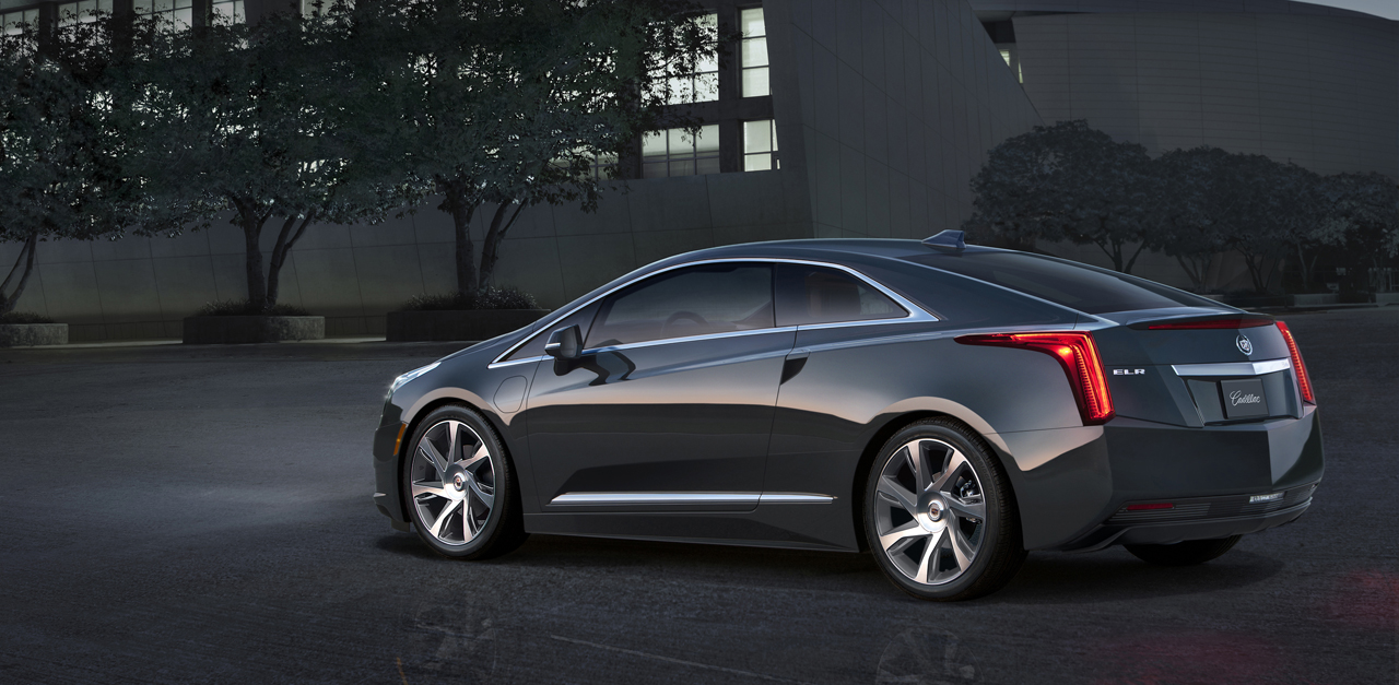 2014 cadillac elr is making green sexy in detroit autoblog. Black Bedroom Furniture Sets. Home Design Ideas