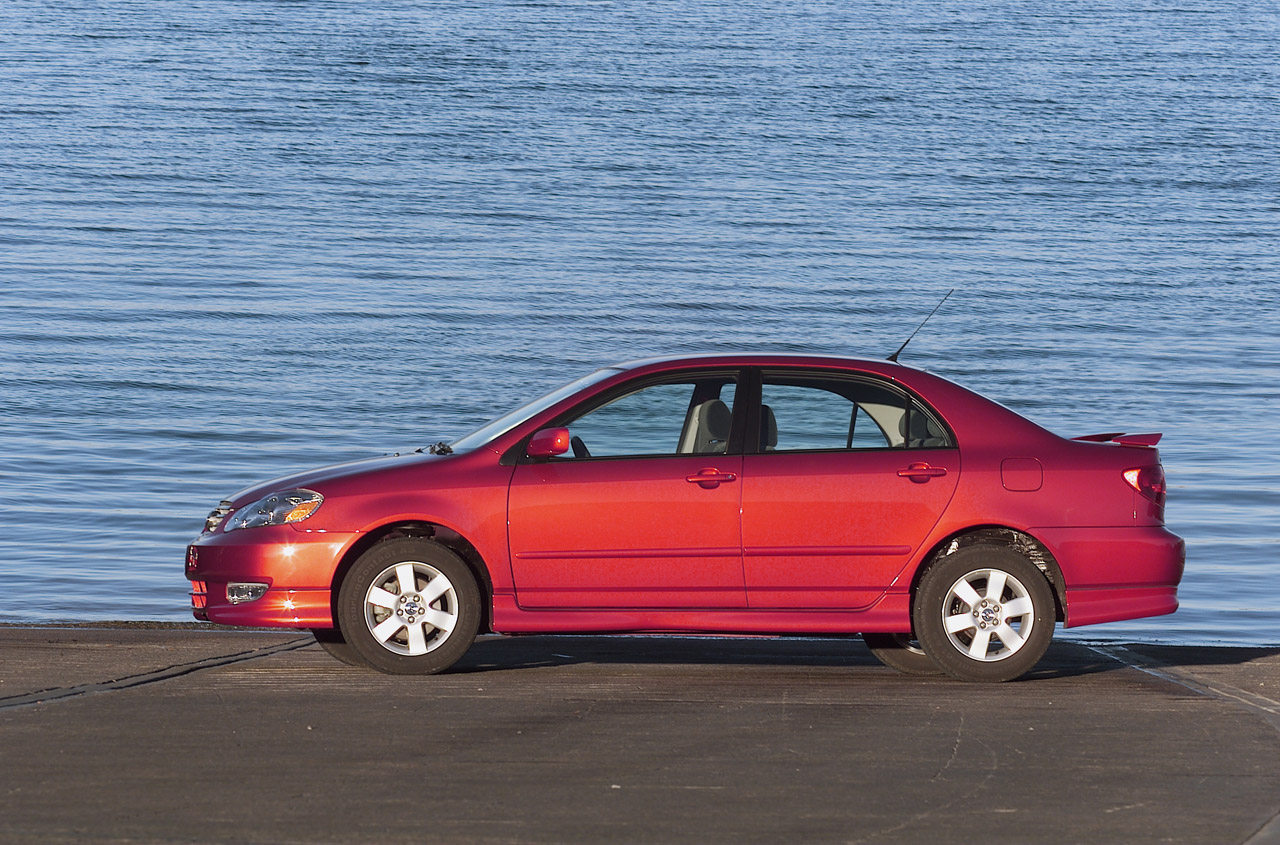 Certified Pre Owned Lexus >> 2003-2006 Toyota Corolla Photo Gallery - Autoblog