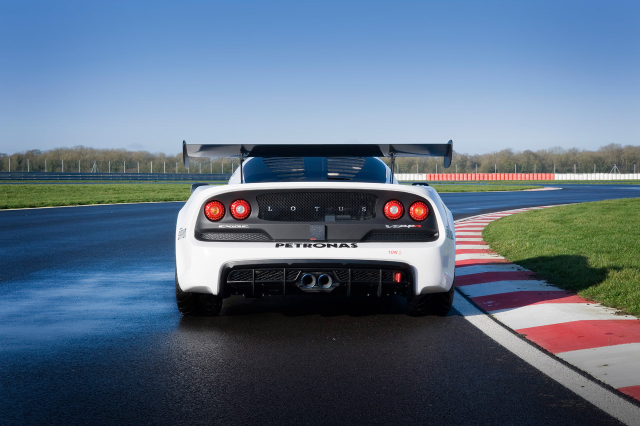 lotus announces race ready exige v6 cup and cup r autoblog. Black Bedroom Furniture Sets. Home Design Ideas