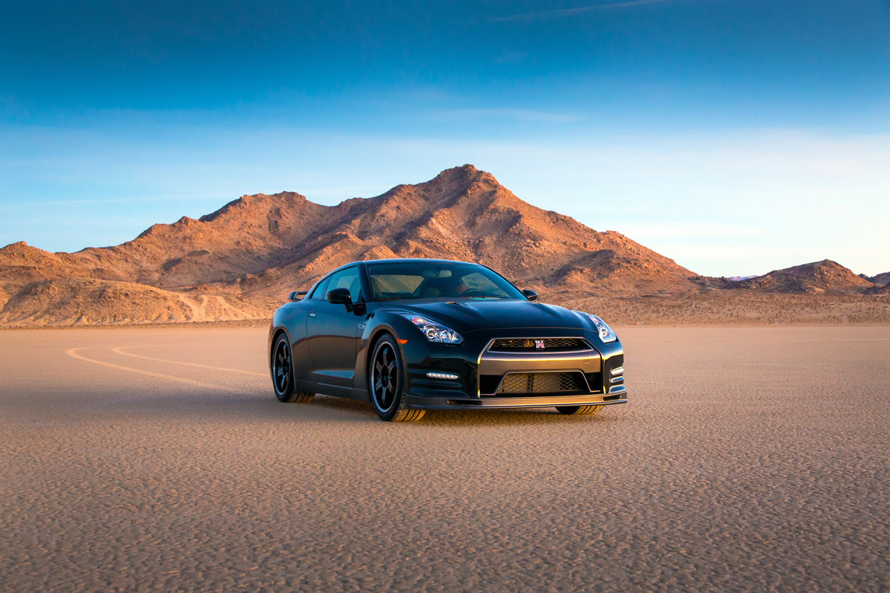 nissan prices limited edition 2014 gt r track edition from 115 710 autoblog. Black Bedroom Furniture Sets. Home Design Ideas