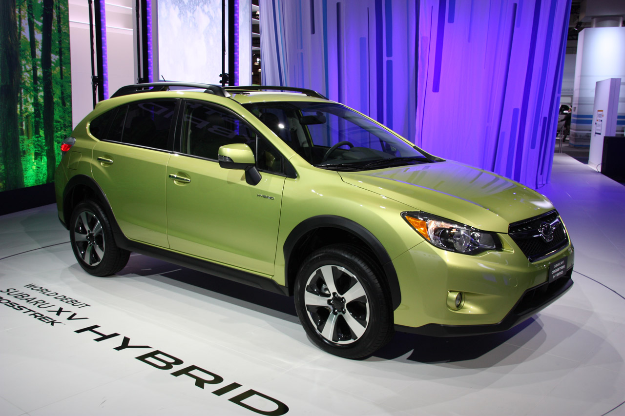2014 subaru xv crosstrek hybrid finally adds gas electric option to the brand w video autoblog. Black Bedroom Furniture Sets. Home Design Ideas