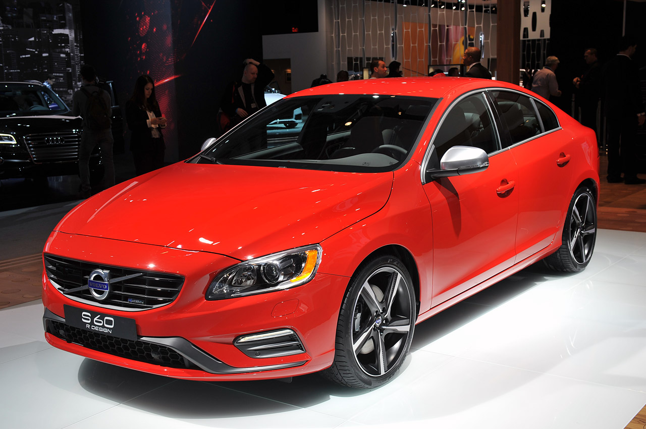 volvo rolls out new r design versions of s60 xc60 and new. Black Bedroom Furniture Sets. Home Design Ideas