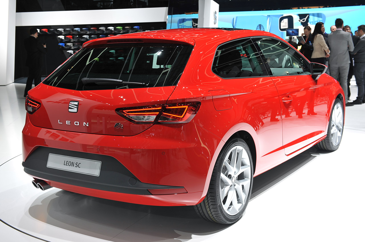 seat leon sc is the golf cousin we 39 re dying to hola at autoblog. Black Bedroom Furniture Sets. Home Design Ideas
