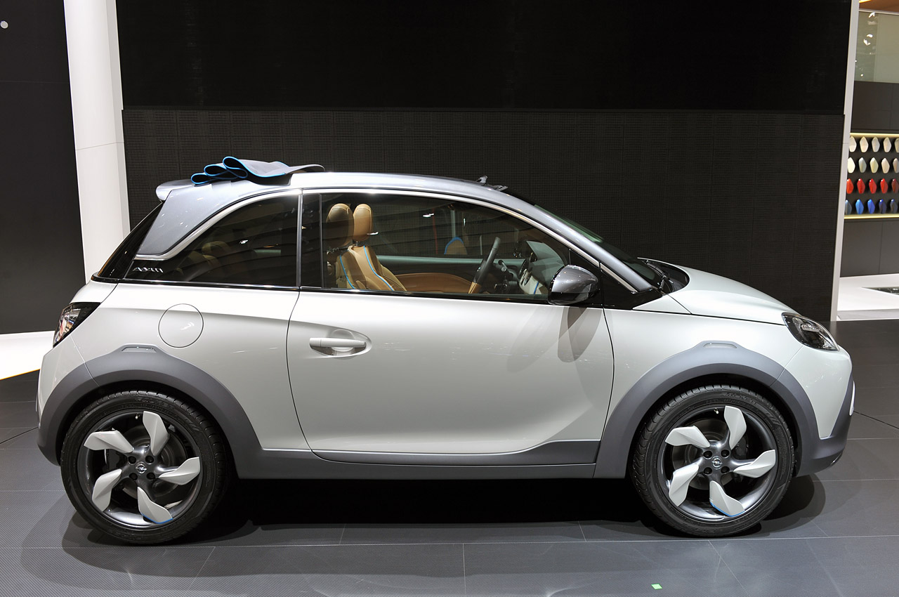 opel gets crossover cute with the adam rocks concept w video autoblog. Black Bedroom Furniture Sets. Home Design Ideas