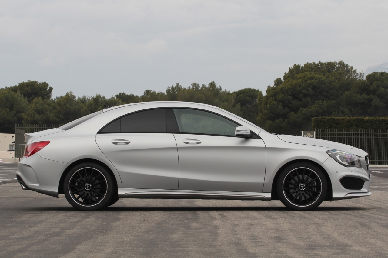 2014 mercedes benz cla250 sport first drive photo gallery. Black Bedroom Furniture Sets. Home Design Ideas