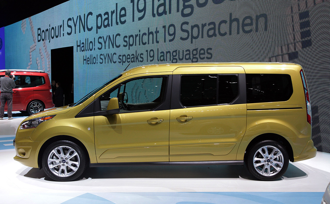 ford tourneo ready for duty in connect courier and custom flavors w videos autoblog. Black Bedroom Furniture Sets. Home Design Ideas