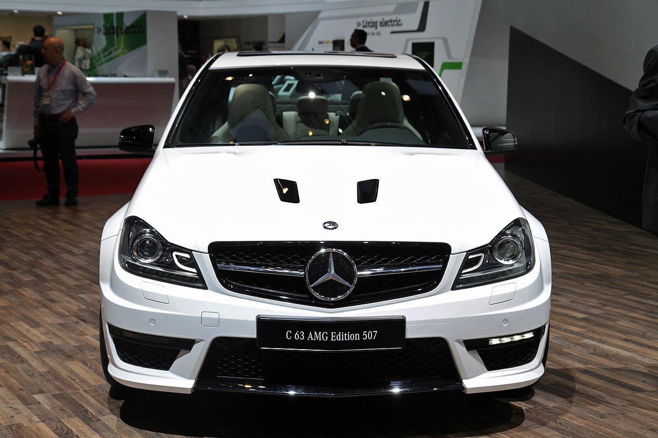 Black Book Car Values >> 2014 Mercedes-Benz C63 AMG Edition 507 still lights our ...