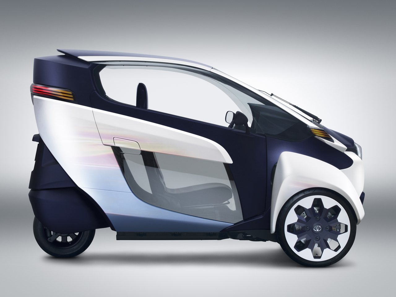 toyota i road concept photo gallery autoblog. Black Bedroom Furniture Sets. Home Design Ideas