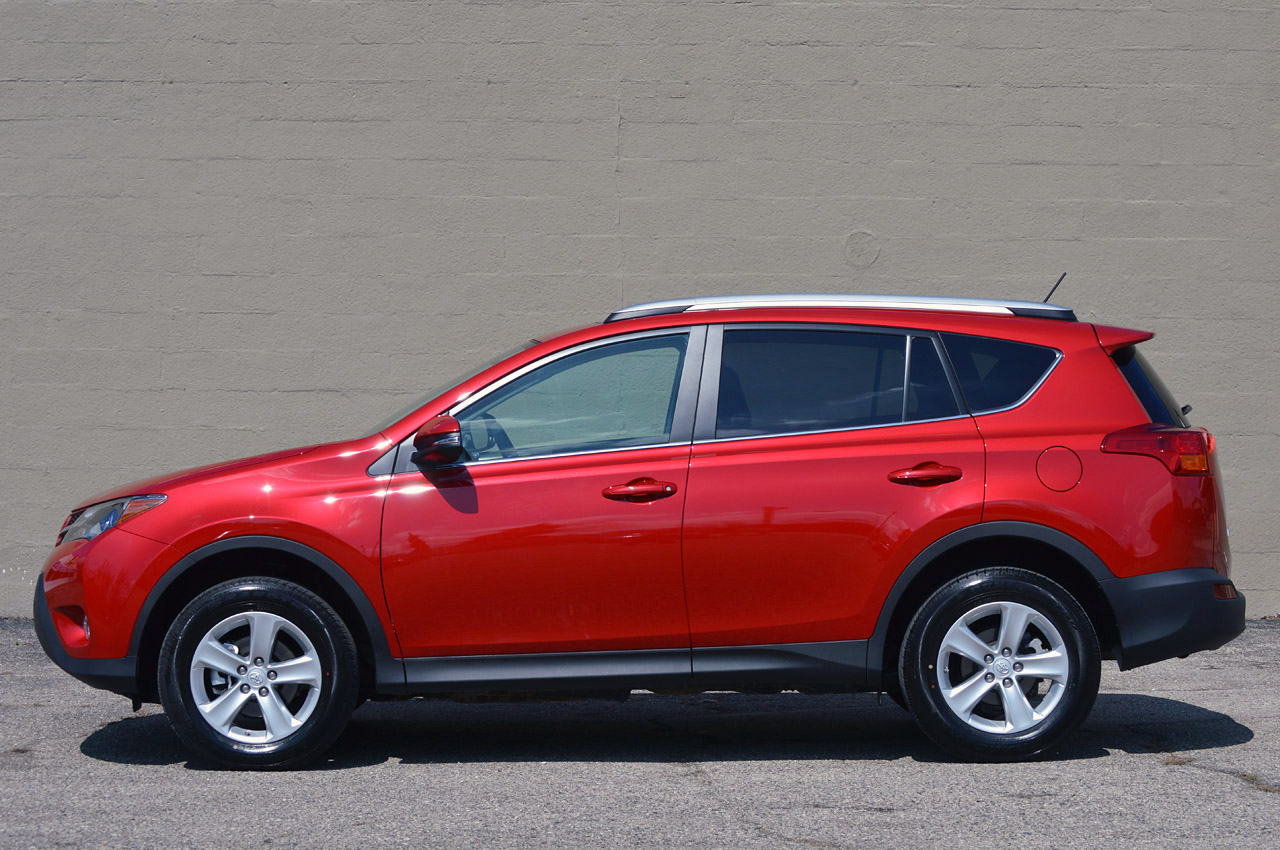 Toyota Certified Pre-Owned >> 2013 Toyota RAV4 - Autoblog