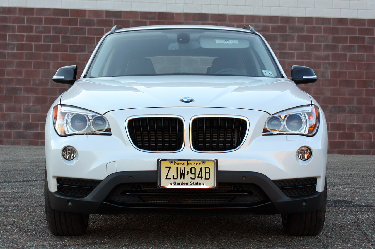 2013 bmw x1 review photo gallery autoblog. Black Bedroom Furniture Sets. Home Design Ideas