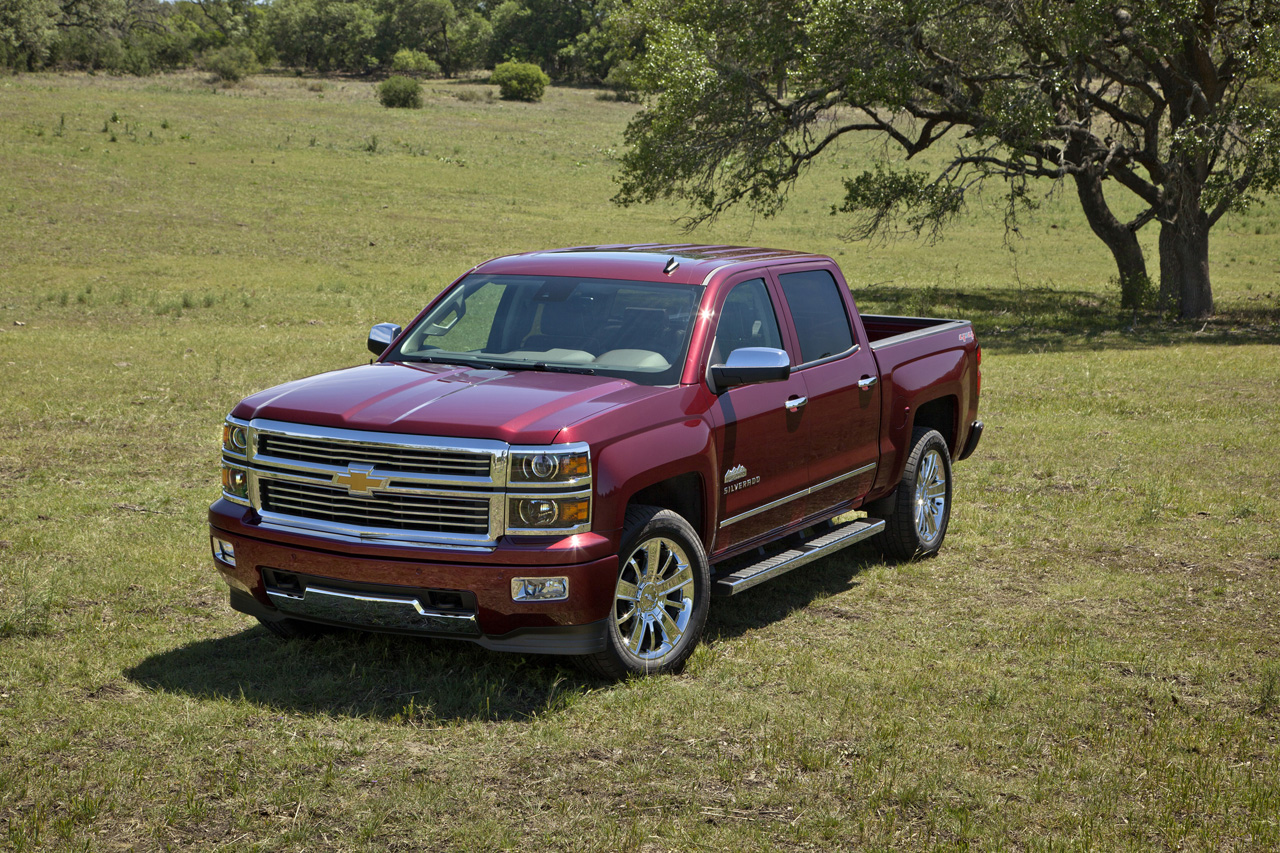 2014 chevy silverado high country loads up with 45 100 starting price autoblog. Black Bedroom Furniture Sets. Home Design Ideas