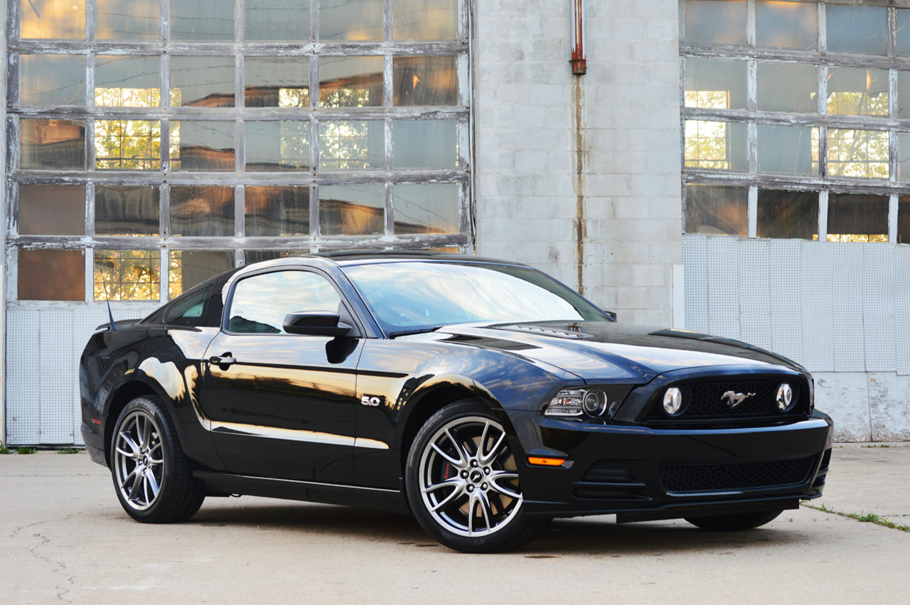 2014 ford mustang gt autoblog. Black Bedroom Furniture Sets. Home Design Ideas