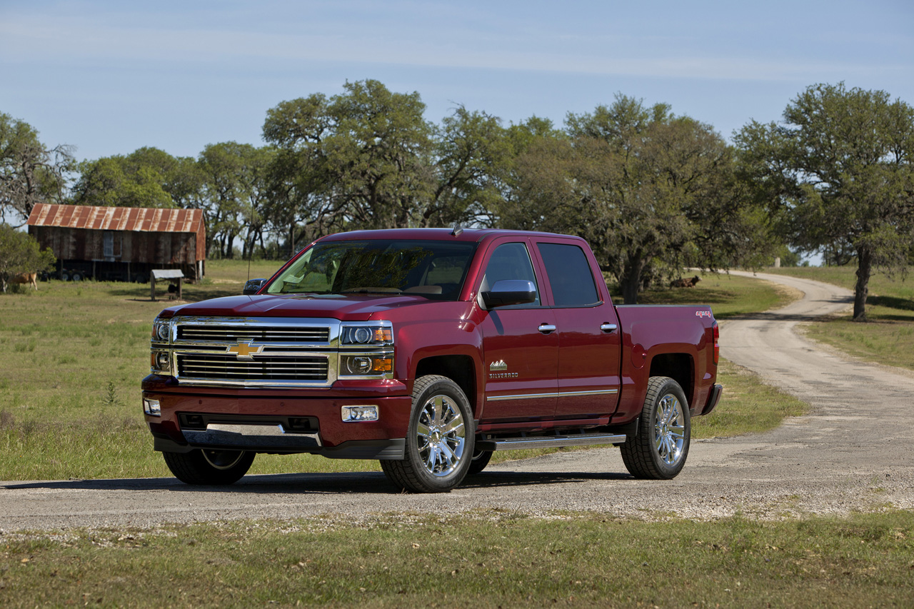 chevy sees greener pastures with 2014 silverado high country autoblog. Black Bedroom Furniture Sets. Home Design Ideas