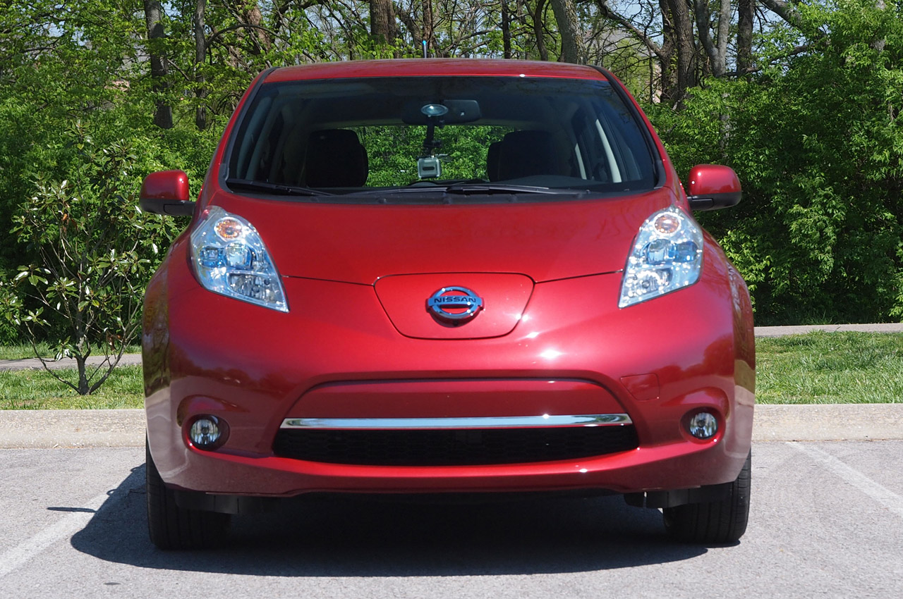 rip nissan leaf with a 24 kwh battery pack autoblog. Black Bedroom Furniture Sets. Home Design Ideas