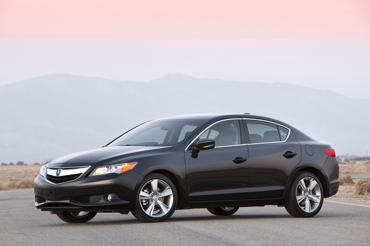 Black Book Car Values >> 2014 Acura ILX gets upgrades after just one year - Autoblog