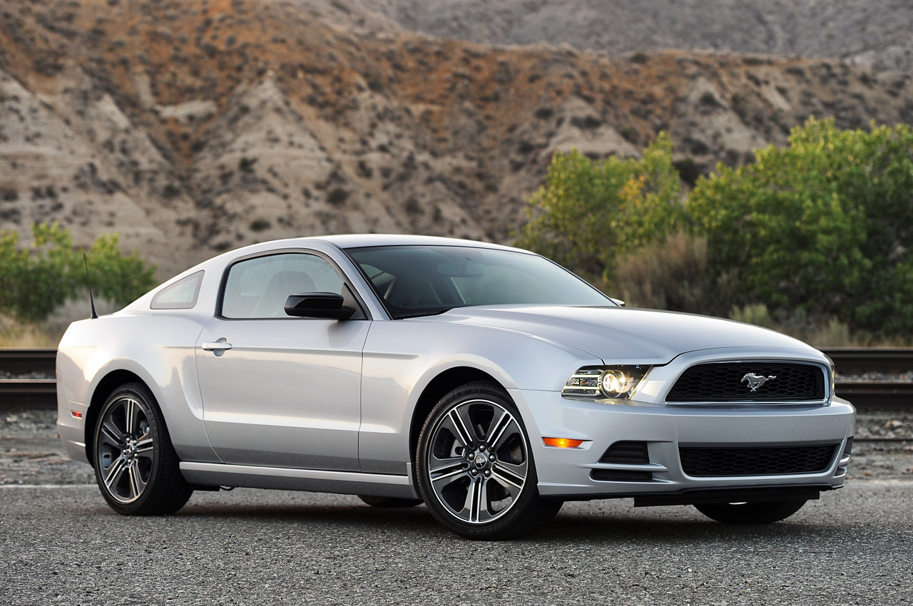 2013 ford mustang v6 review photo gallery autoblog. Black Bedroom Furniture Sets. Home Design Ideas