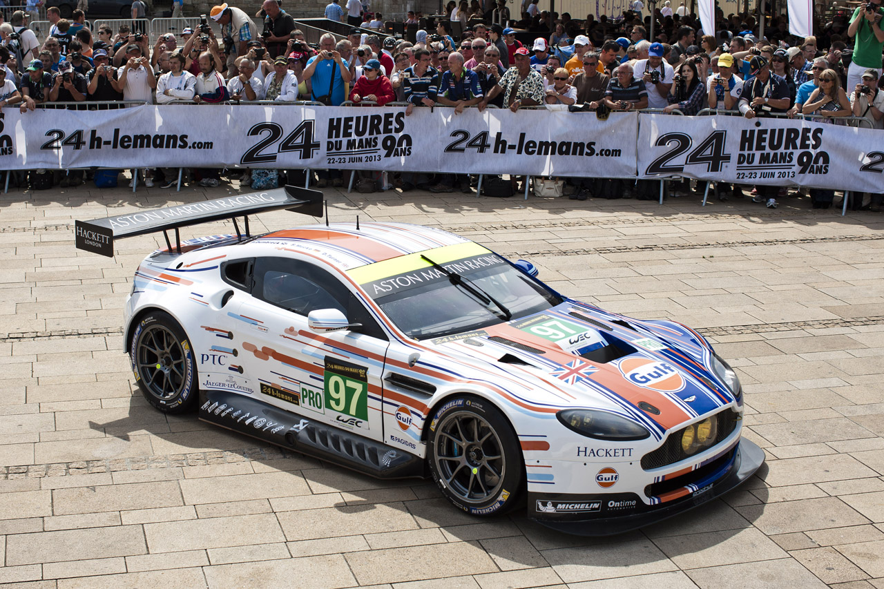 Permalink to Aston Martin Art Car Le Mans 2015