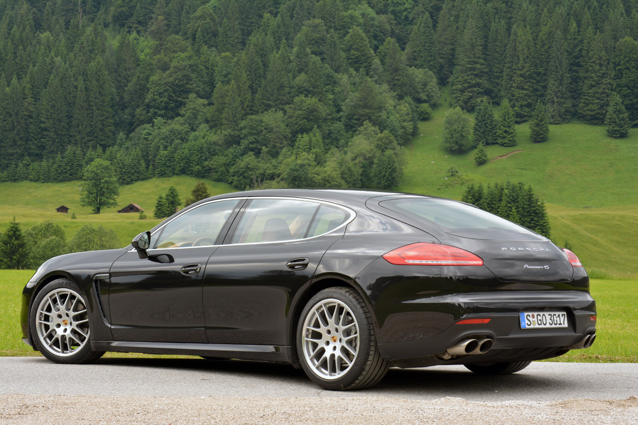 2014 porsche panamera 4s executive autoblog. Black Bedroom Furniture Sets. Home Design Ideas